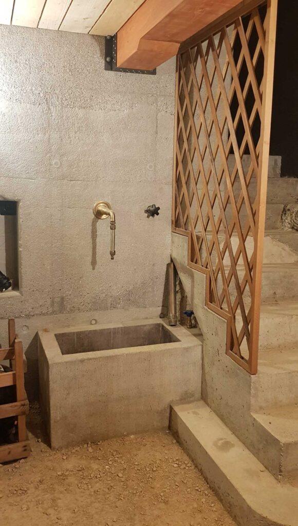 Wassertrog im Keller der Schlossmühle Aarau